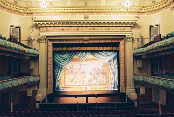 Her Majesty's Theatre in Ballerat, Australia (Colour-matched AX88, R2, Infrabass)